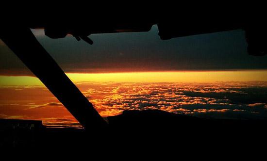 9 Reasons You Should Become a Commercial Pilot - Pilot Job