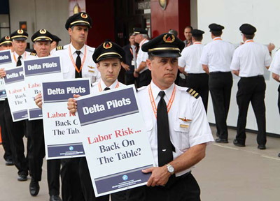 Delta Pilots Picketing