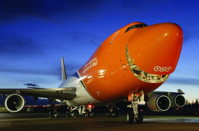 TNT Express 747